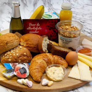 Luxe moederdag ontbijtservice met bubbels